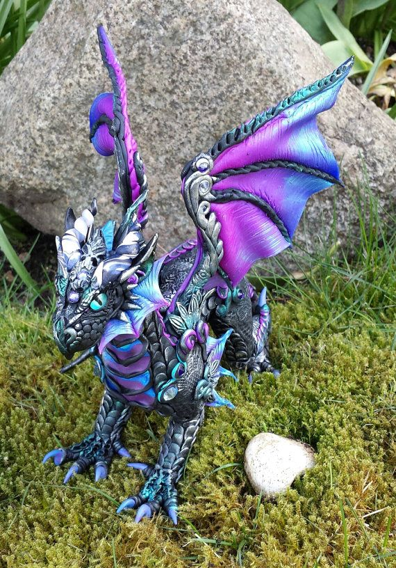 Custom Dragon Sculpture Made to Order | Beautiful, Polymere und ...
