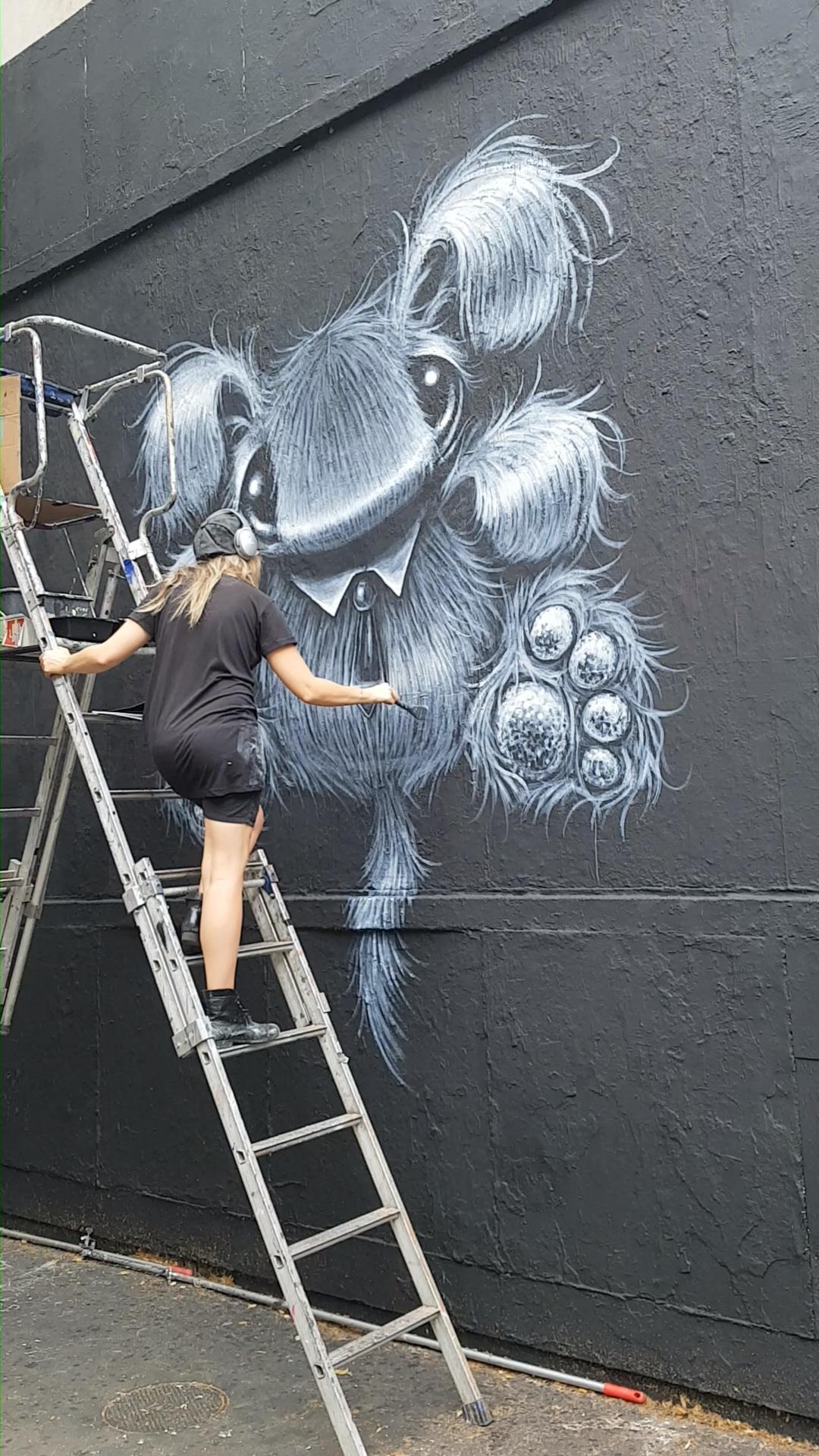Live-painting avec la street artiste Hayley Welsh