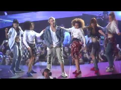Justin Bieber - PURPOSE TOUR: Baby (Live from Seattle ...