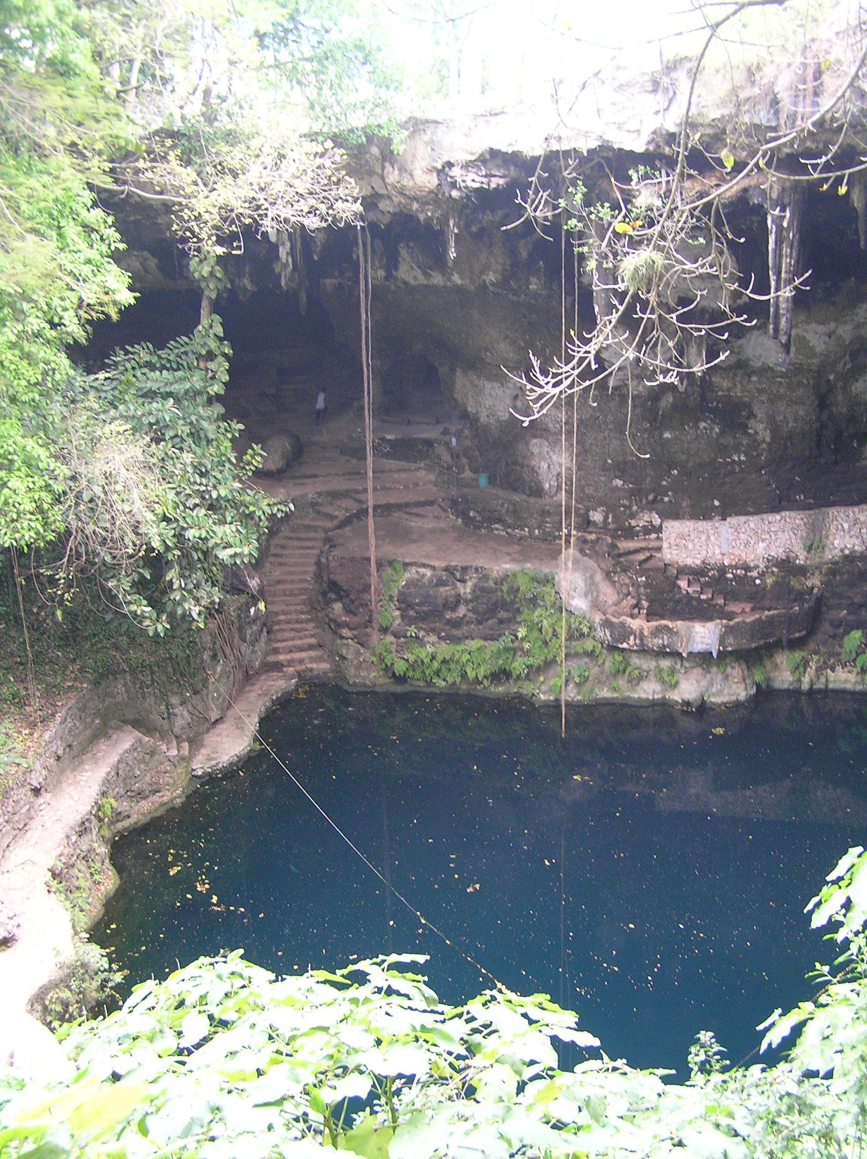 Valladolid.Cenote Zací.
