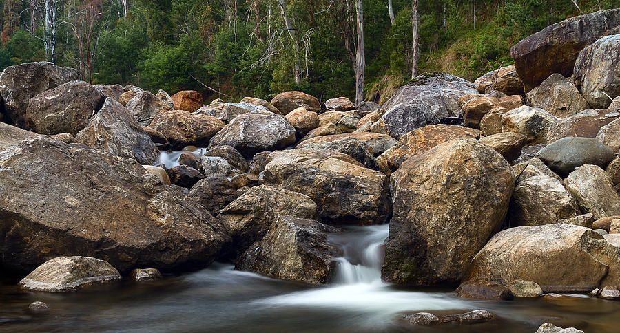 boulders-on-the-river-mark-lucey.jpg (900×484)
