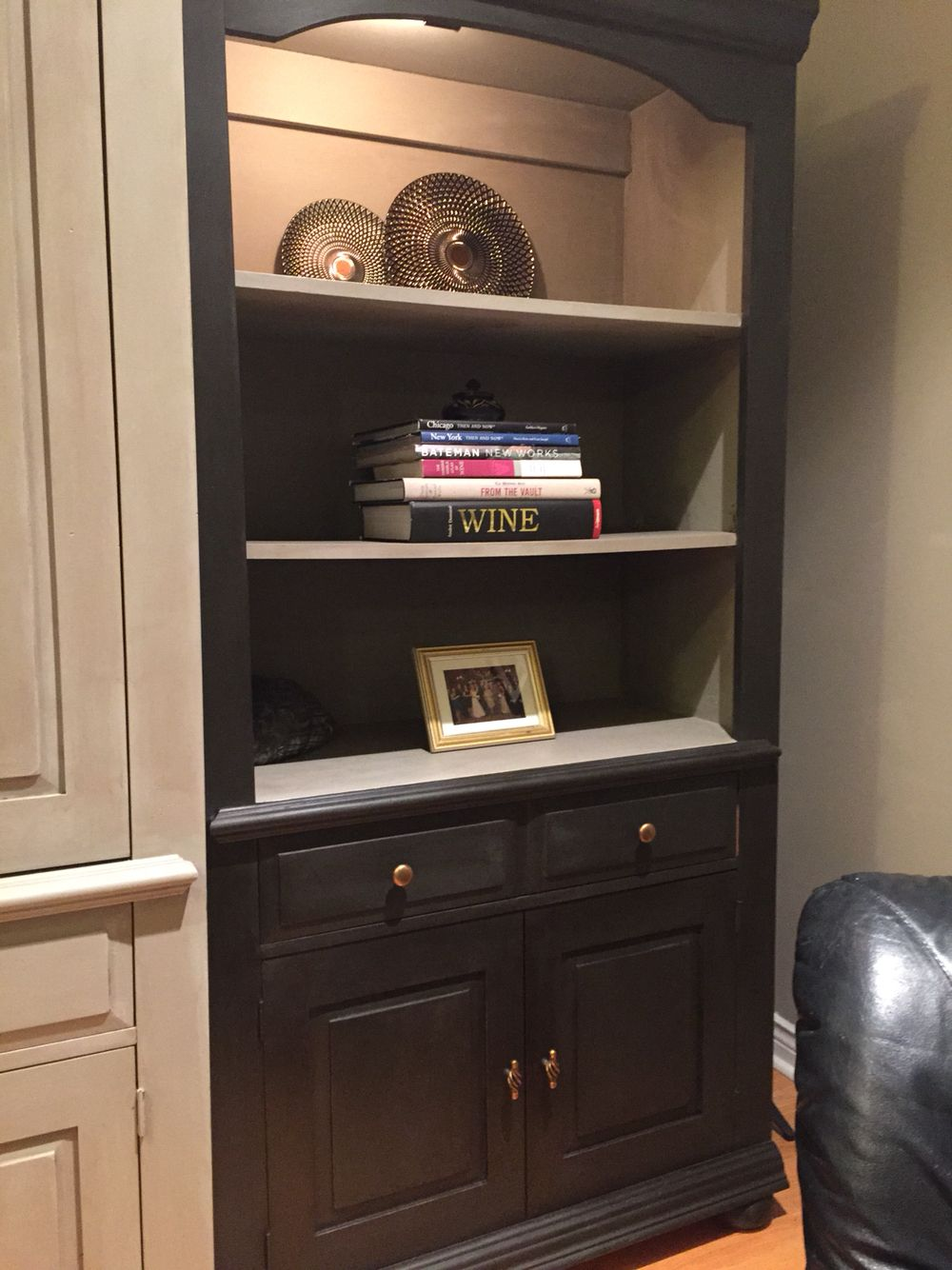 Broyhill Fontana Collection Painted With Annie Sloan Graphite Chalk Paint And French Linen Furniture Redo Update