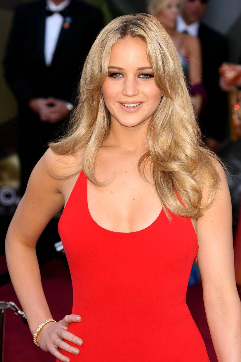 Jennifer Lawrence Blondehair Jennifer Lawrence Red Dress Blond