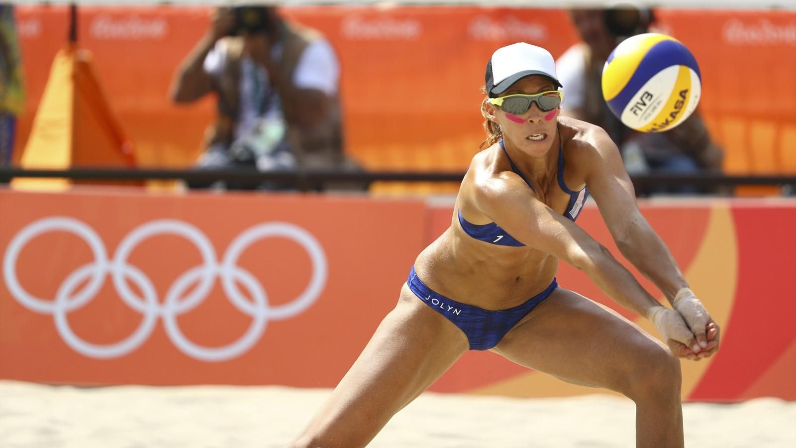 Crowds Taunt U S Players With Zika Jeers Olympic Volleyball Rio Olympics 2016 Female Volleyball Players