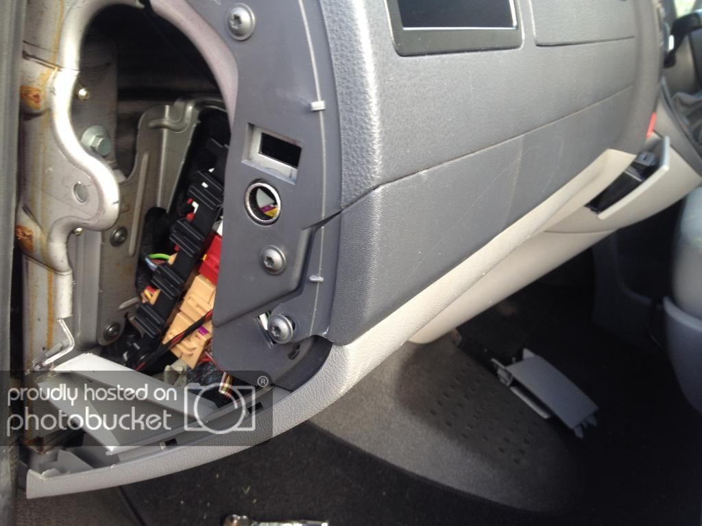 Removal of Drinks Holder with Pics - VW T4 Forum - VW T5 Forum | Drink  holder, Vw t5, Vw t5 forumPinterest