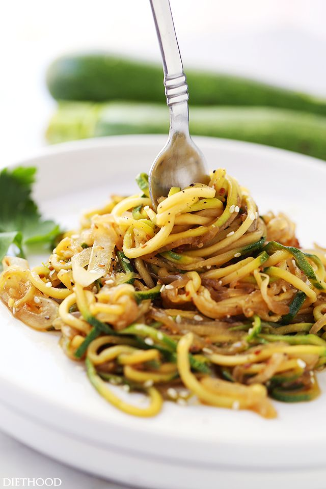 Stir Fry Zucchini Noodles | www.diethood.com | Delicious, low-carb, healthy Stir Fry made with spiralized zucchini and onions tossed with teriyaki…