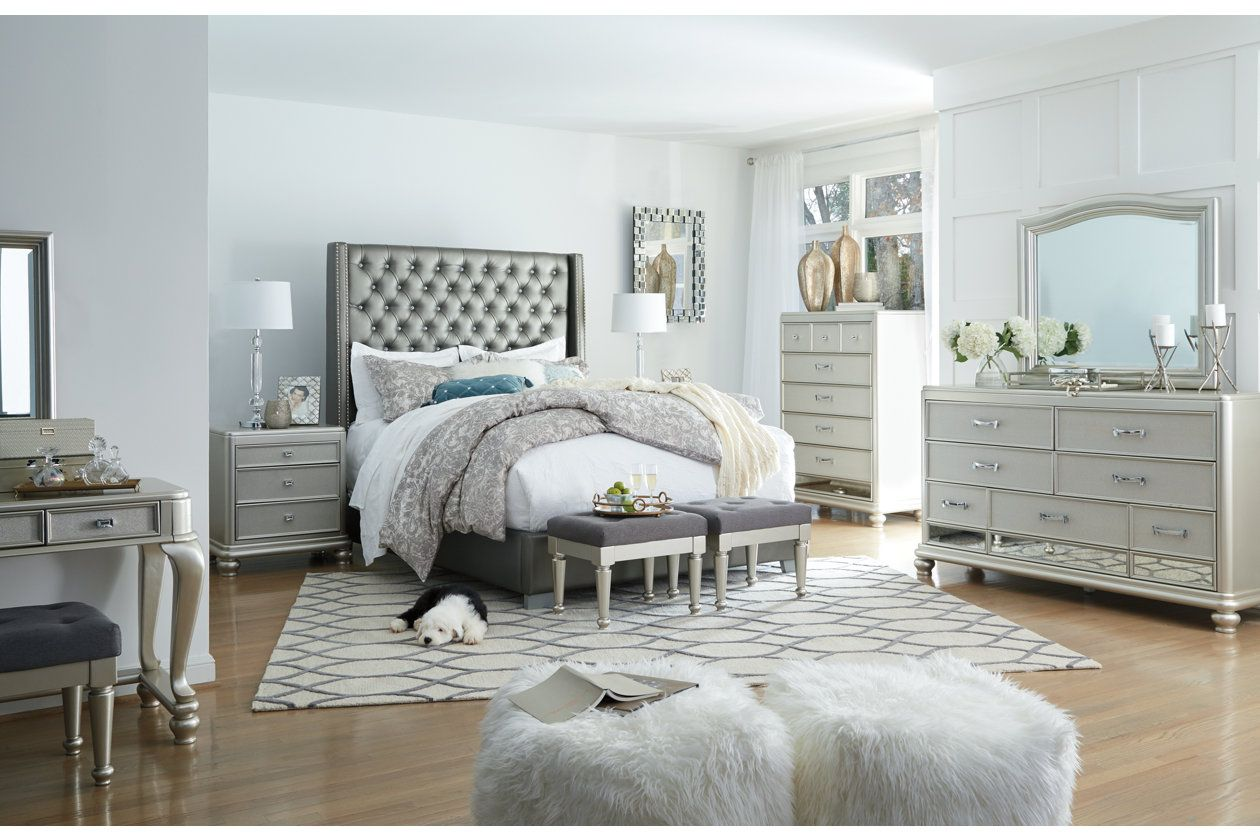 Coralayne Queen Upholstered Bed Queen Upholstered Bed
