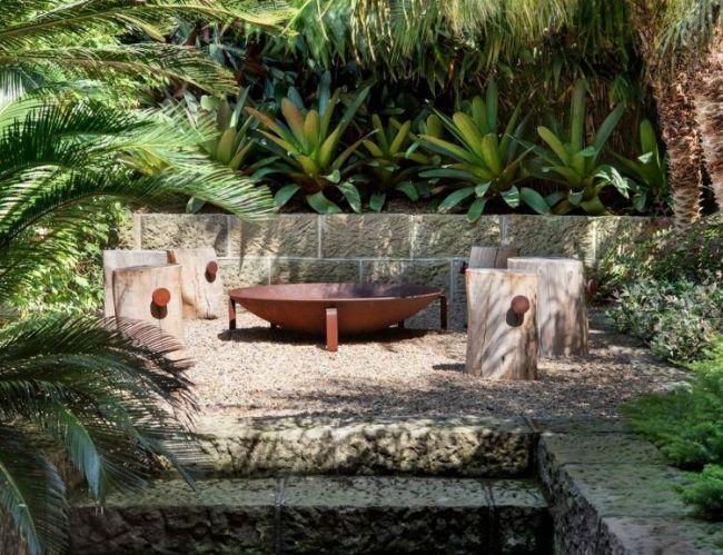 Feuerstelle im Garten -sitzplatz-exotisch-tropisch-naturstein-holz