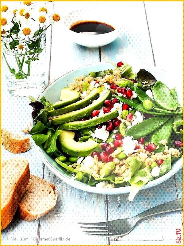 Power- Salat Green Spirit mit Edamame Zuckerschoten Avocado Quinoa und Granatapfel GourmetGueril