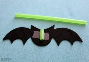 Flying Bats STEM Activity for Preschoolers #stemactivitieselementary