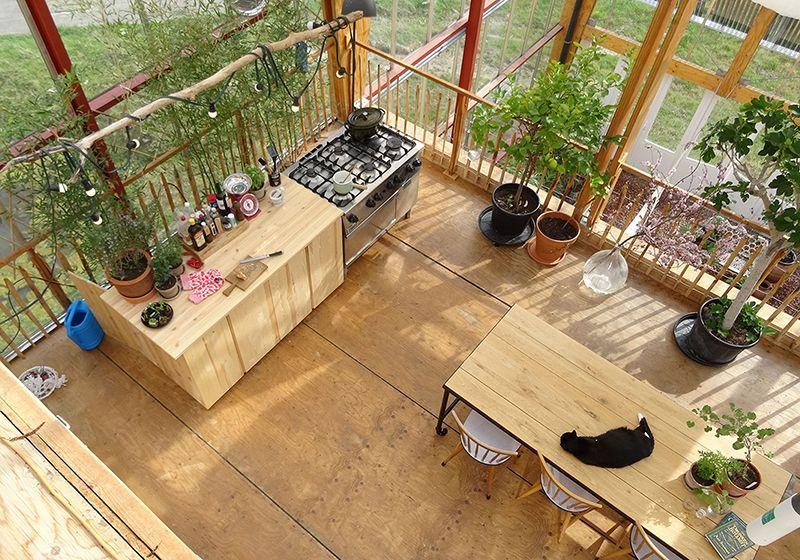 Afbeeldingsresultaat Voor Living In Greenhouse