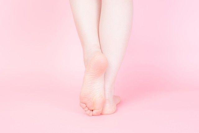 頑張って頑張ってダイエットしても中々痩せることができないのが脚やせ。どんなダイエット法を試してもダメだったっていう方は痩せるストレッチを試してみて!この記事では脚・太ももにフォーカスを置き、痩せるためのストレッチ法を教えます!