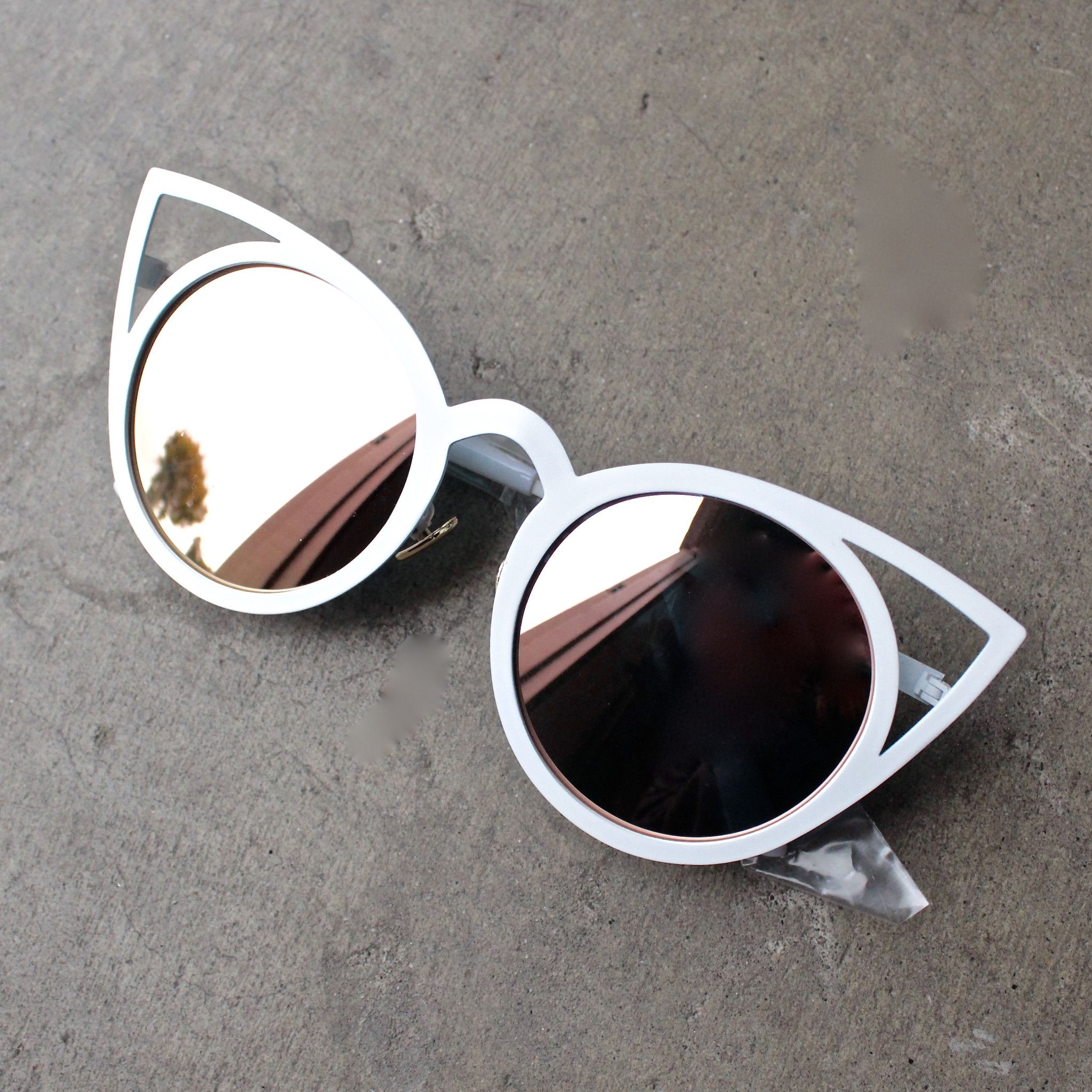 luna australia - alice white cat eye sunglasses with rose gold mirror lens  - shophearts - 4036145f175
