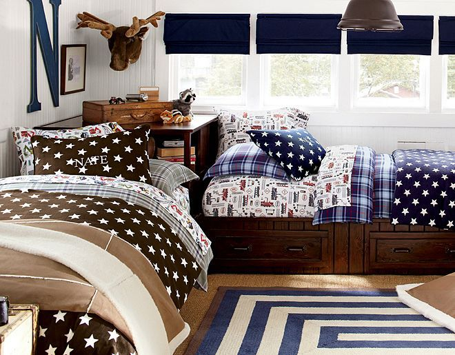 I love this corner bed set up - good alternative to bunks in shared space