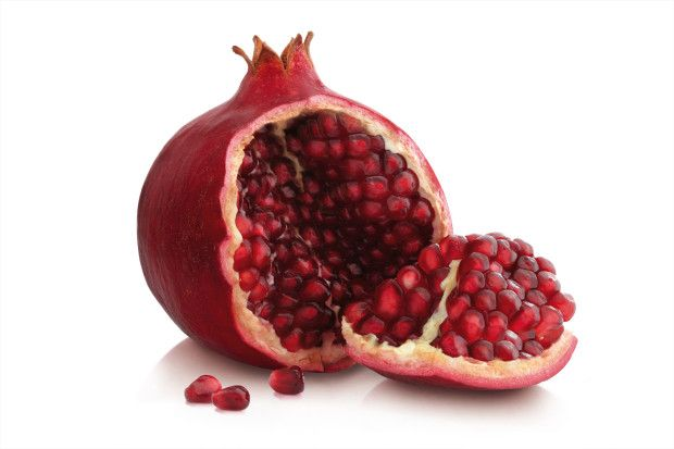 #DIY: All-Around Miracle Solution: Rose Water Toner with Superfood Pomegranate #Beauty #Skincare