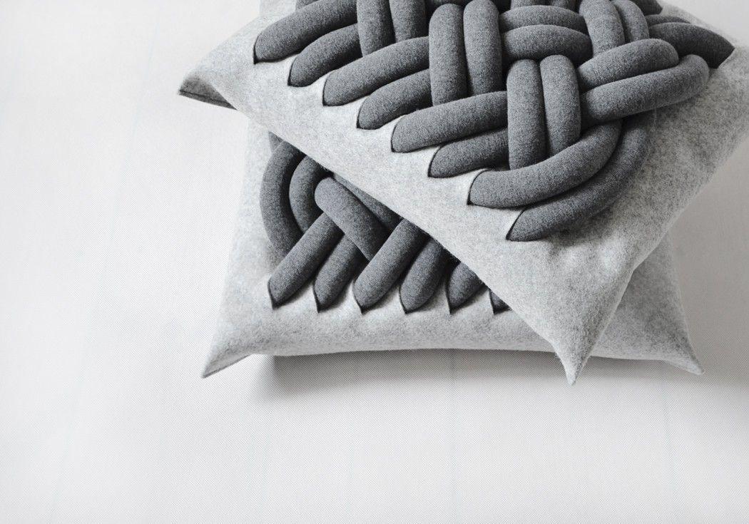 Knotty pillow - Ku me ko