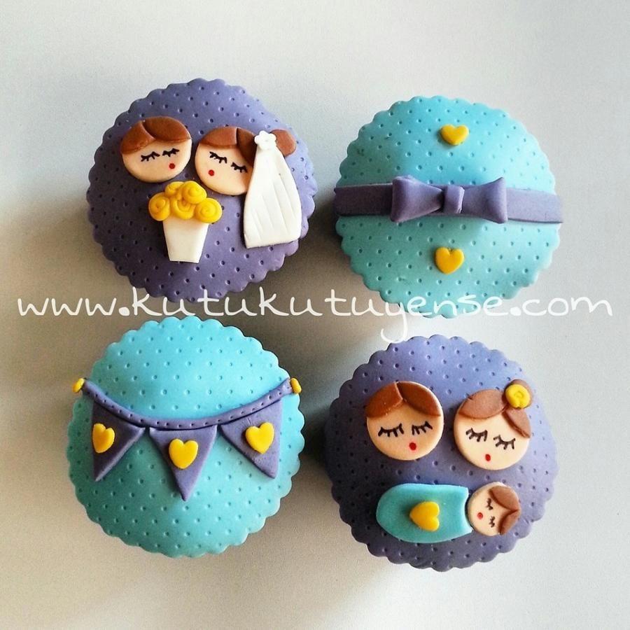 Evli Mutlu Cocuklu Cupcakeleri :) - Cake by kutukutuyense
