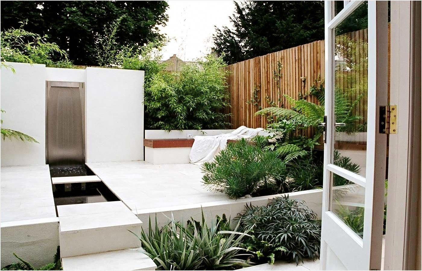 Urban Gardening Think About This Following Advice We Like The Creativeness Of This Creative Small Urban Garden Design Small Urban Garden Urban Garden Design Backyard urban garden design