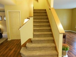 Good Laminate Flooring Carpet Stairs Transition XtaP4MIp