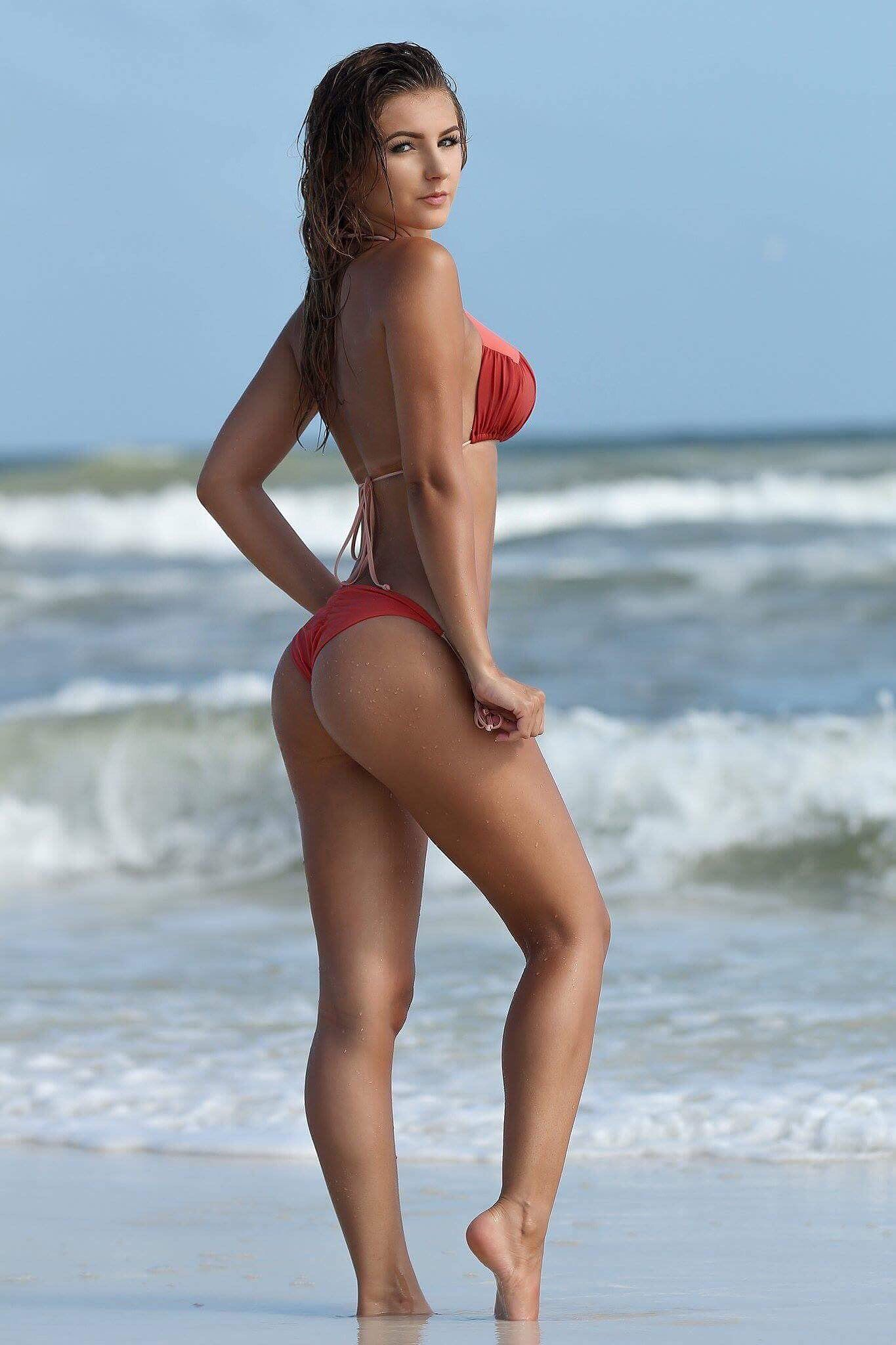 5ea5b891442 Polina Sitnova Hot Beach