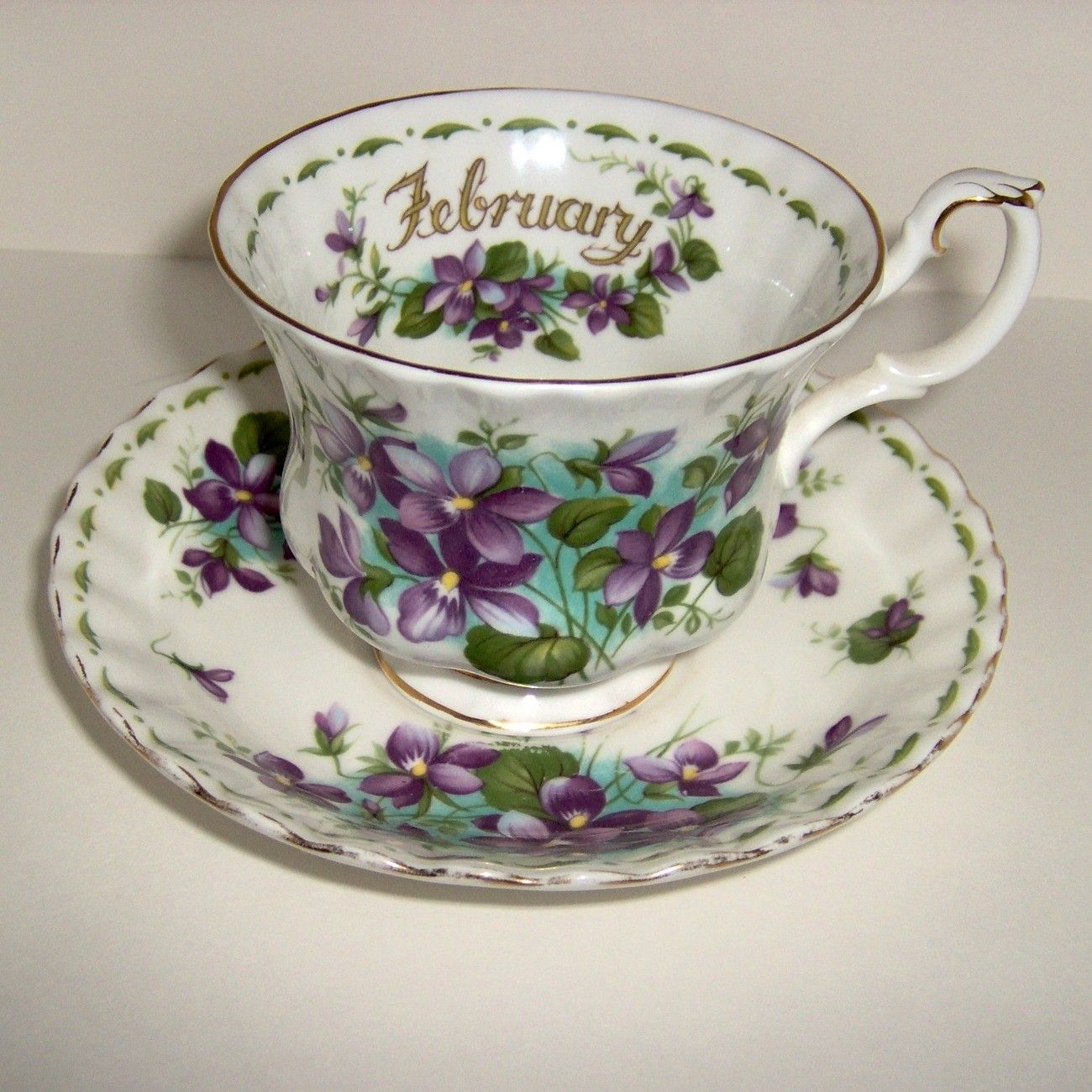 china teacup by royal albert flower of the month series tea cups pinterest geschirr. Black Bedroom Furniture Sets. Home Design Ideas
