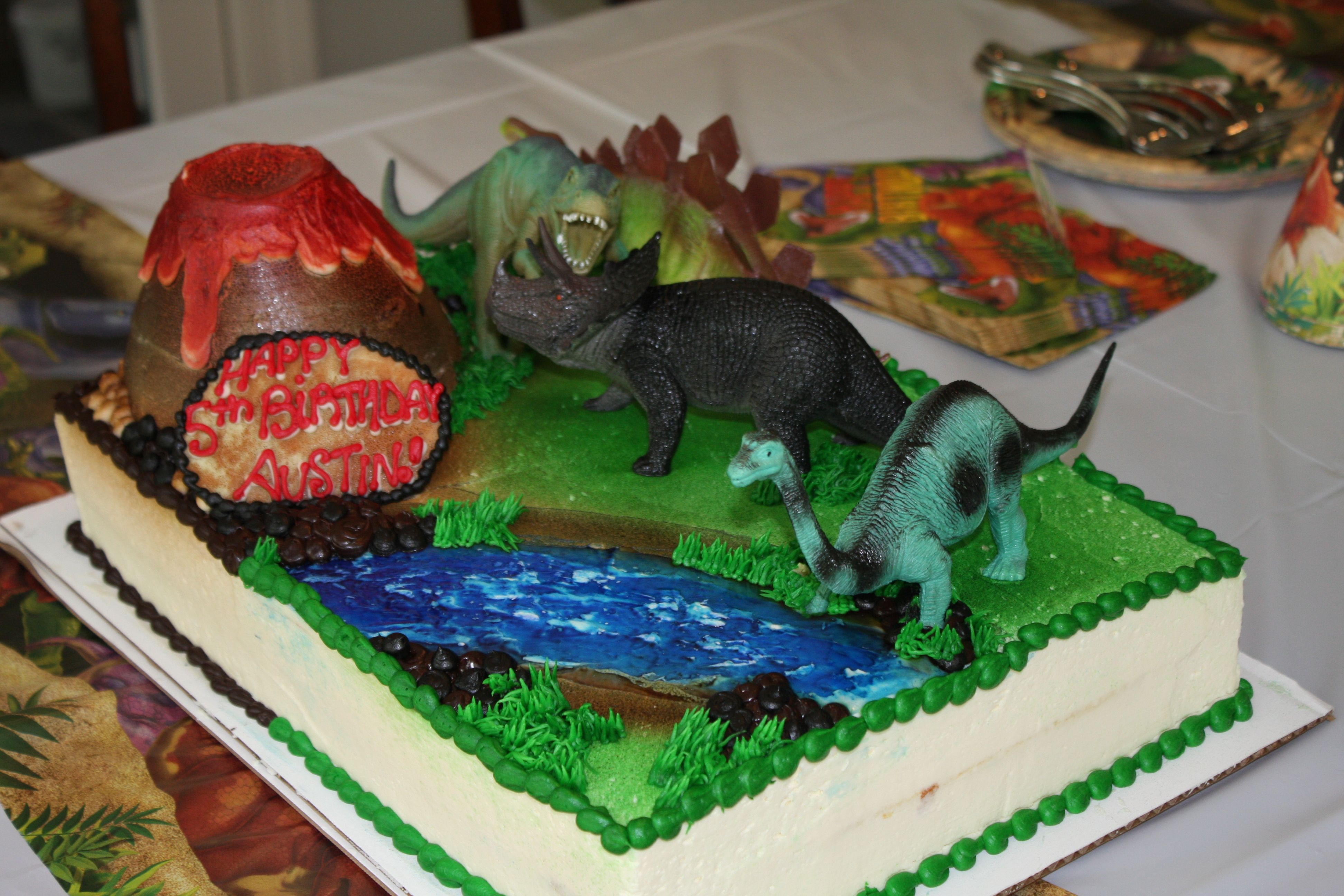 Dinosaur cake for Austin's 5th birthday - Mariano's Libertyville ...