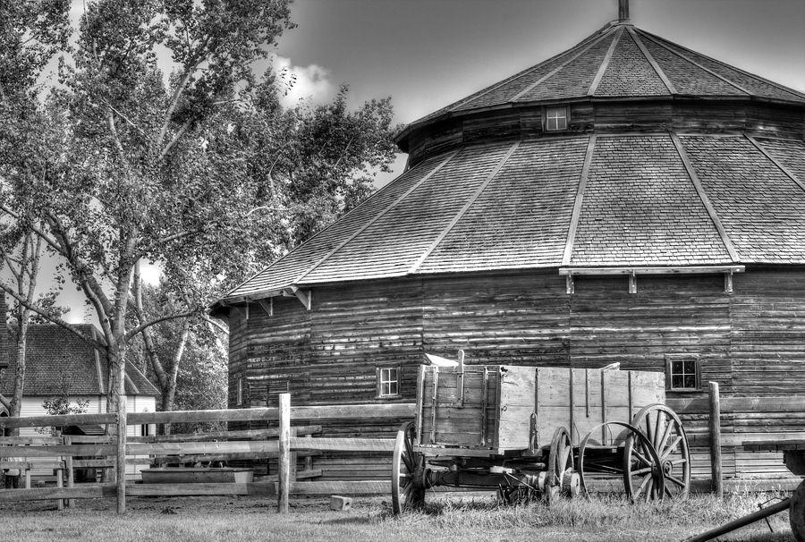 The Barn. Fort Edmonton Park.   Alberta canada, Central ...