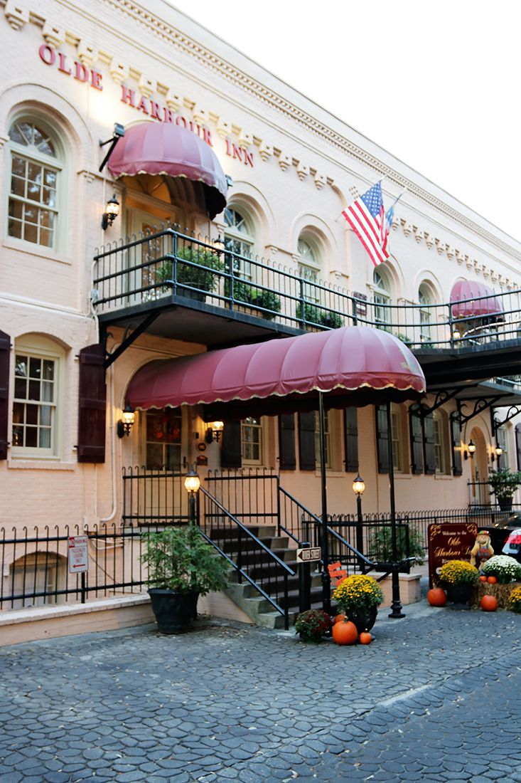Searching For The Best Places To Stay In Savannah Near River Street This Guide Includes