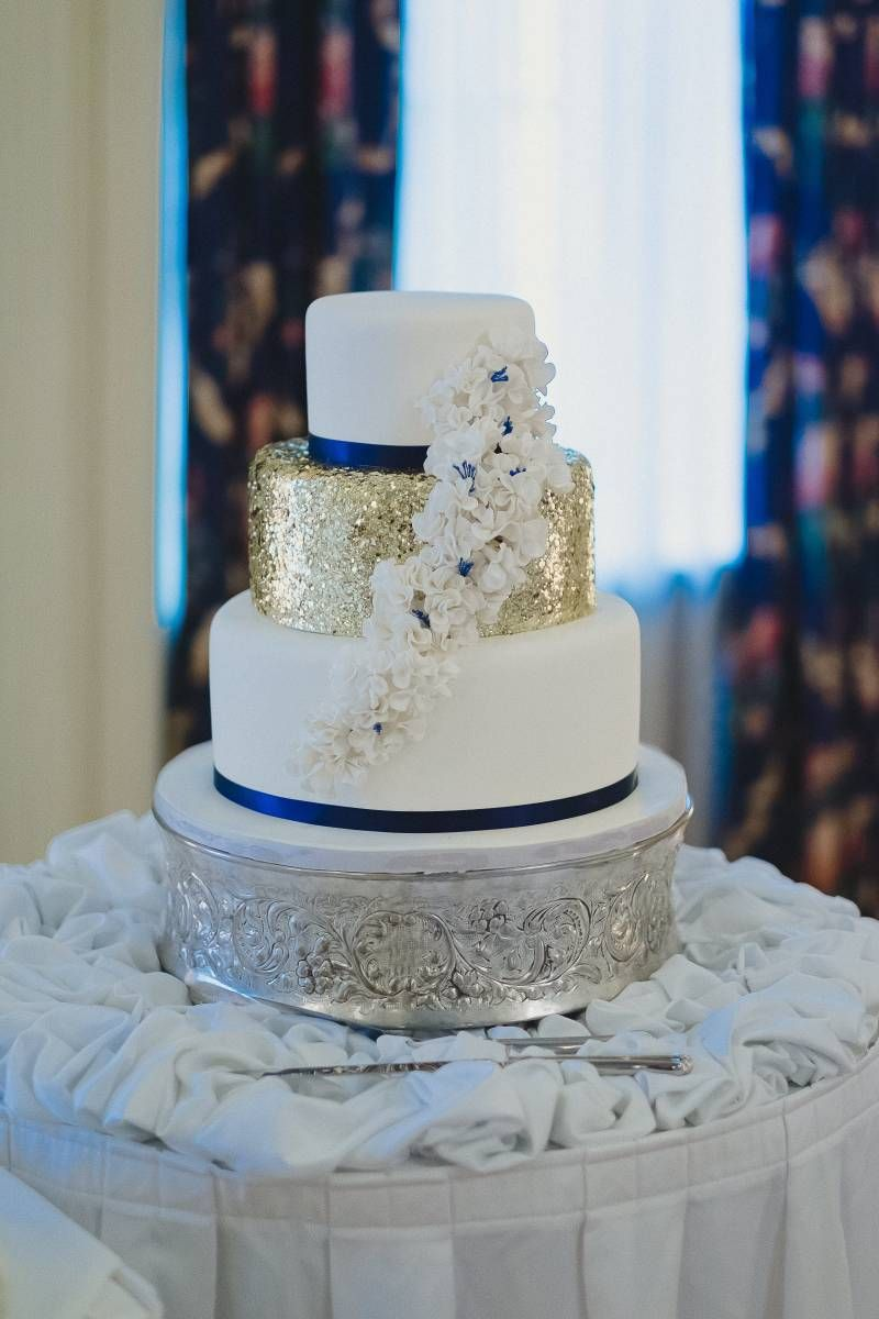 wedding cakes in lagunbeach ca%0A White  Gold  Navy Wedding Cake  Elegant Fairmont Palliser Wedding