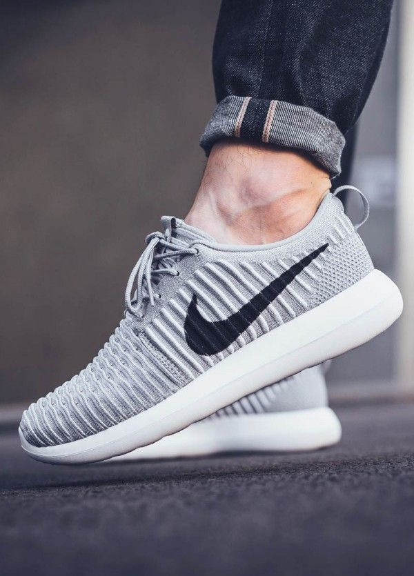 online store 94ad1 b7ee8 The Nike Roshe Two Flyknit is a memory foam mattress for your feet ...