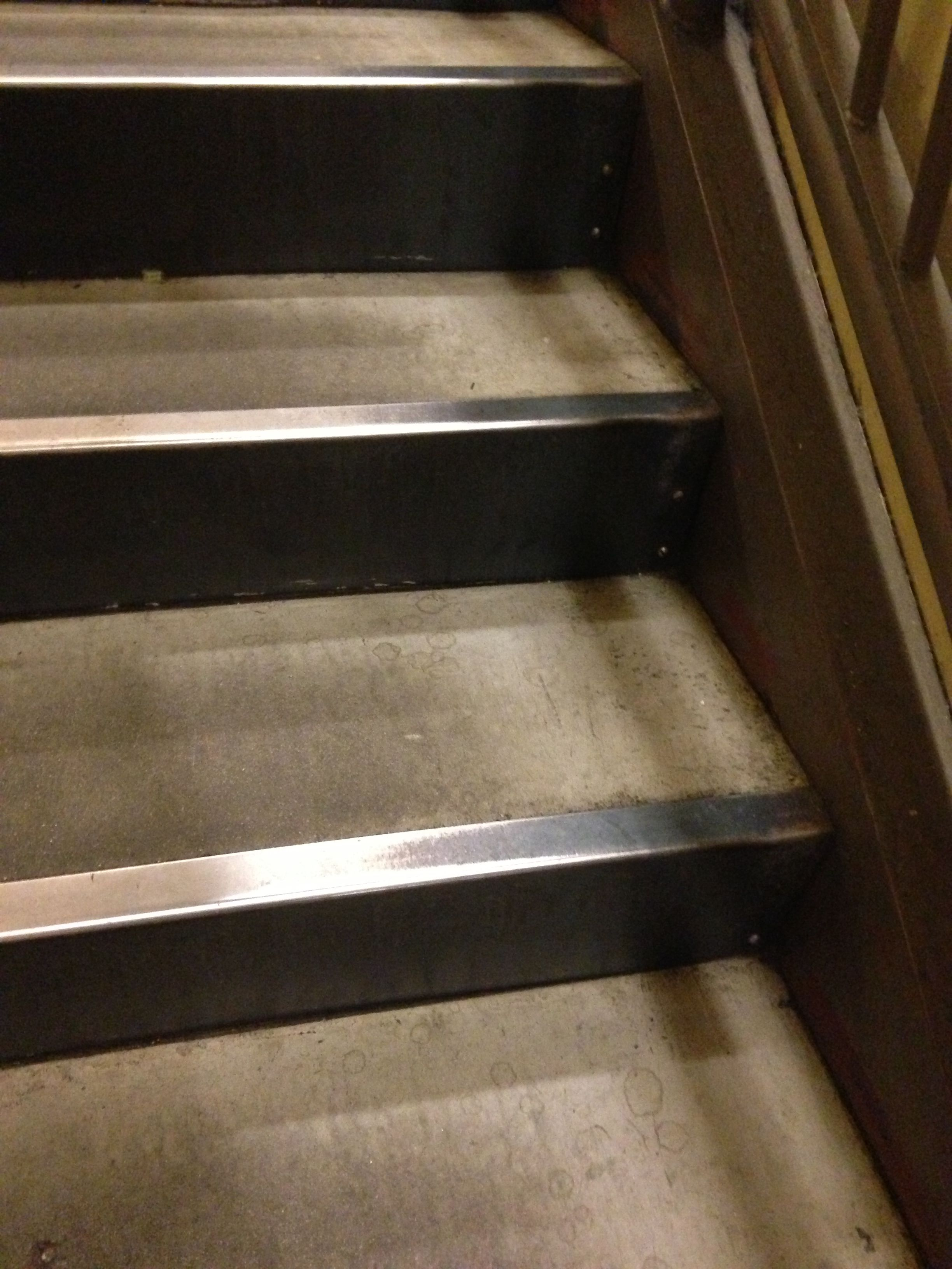 Best Basic Concrete In Pan Stair Concrete Stairs Concrete Pan 400 x 300