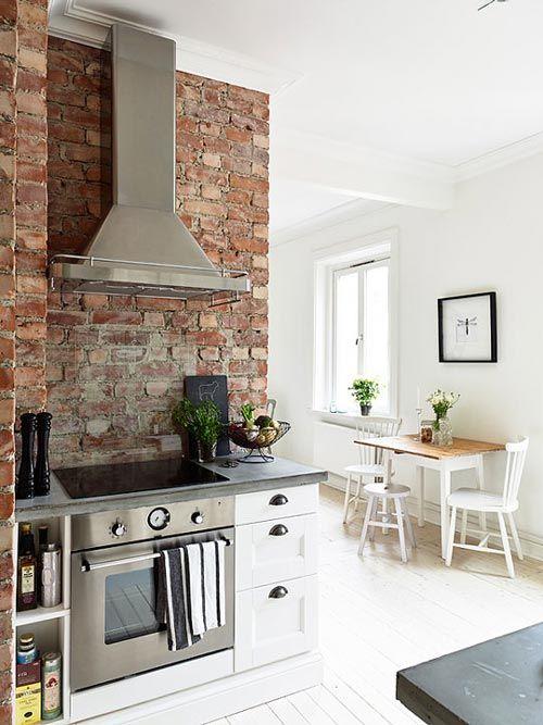 #Cocina con pared de ladrillo  #cocinas #kitchens