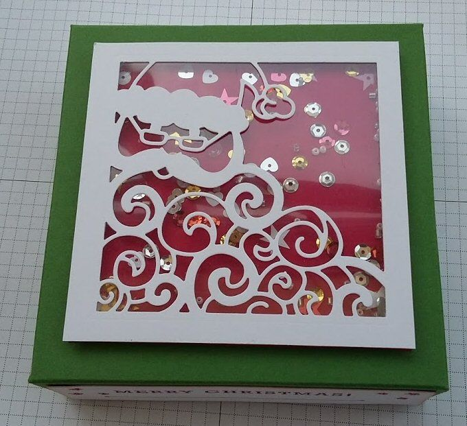Stampin' Up! Santa Thinlits die, Real Red, Garden Green, Created by Pauline Barnfather, I Create Craft.