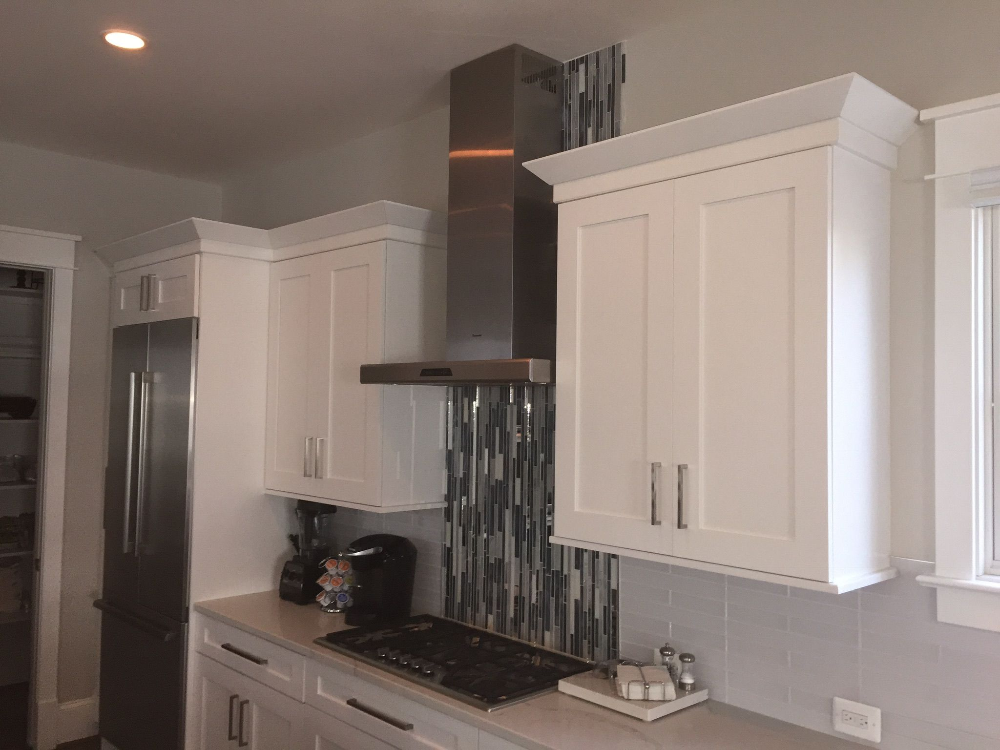 Pin By Carolyn Gilliland On Kitchen Home Decor Kitchen Kitchen Cabinets