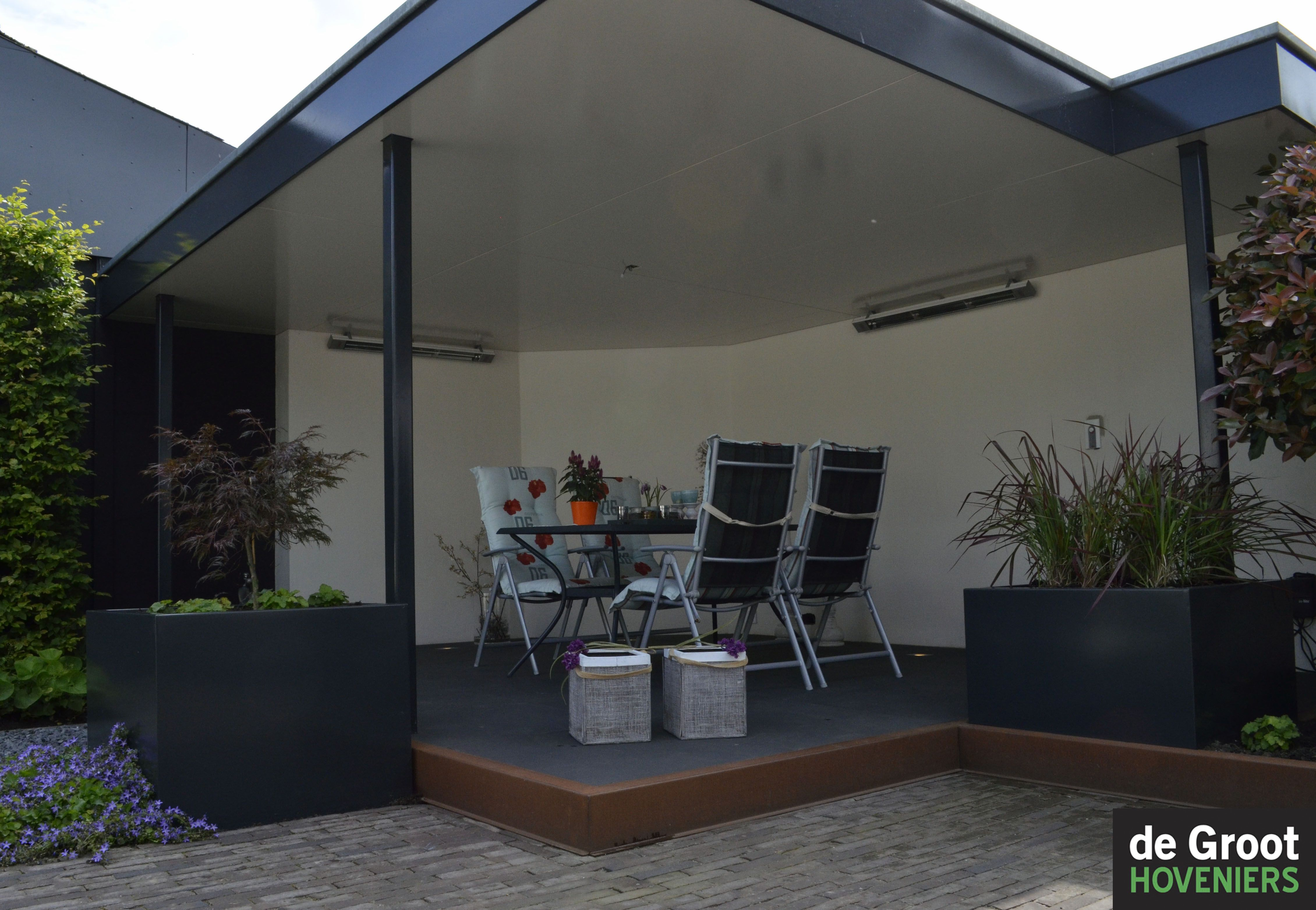 Veranda overkapping modern strak cortenstaal overkapping veranda pinterest - Veranda modern huis ...