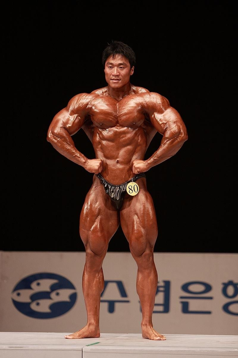 Lee Seung Chul (이승철, Korean Bodybuilder) / 2009 National Competition +90kg