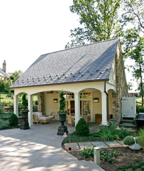 This Small Backyard Guest House Is Big On Ideas For: Pool House/cabana. Trueblood Design-Build, Spring House
