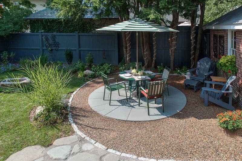gravel patio | Gravel Patio With Iron Chair Green