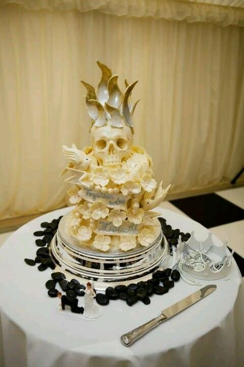 Skull wedding cake! | Food art | Pinterest | Skull wedding cakes ...