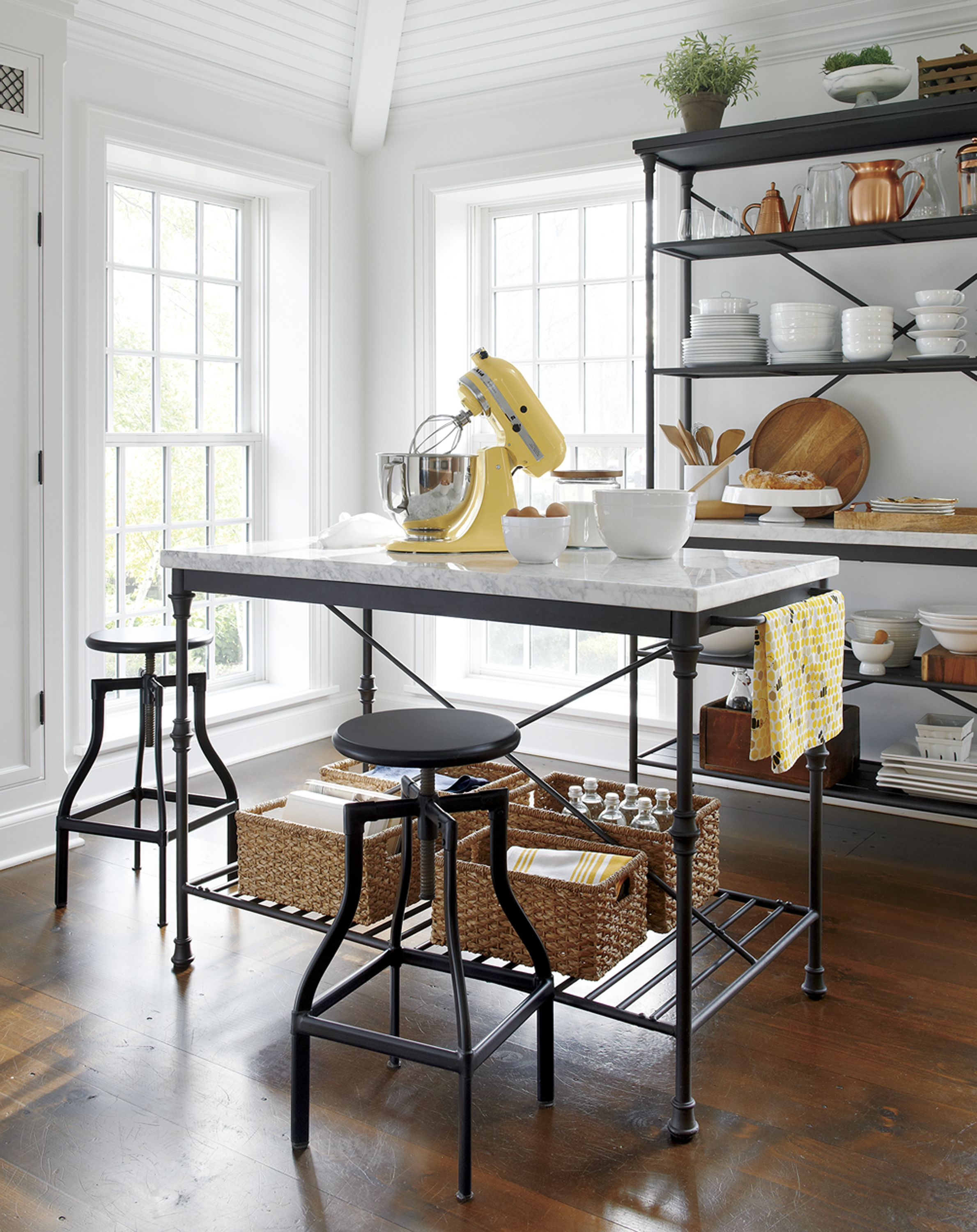 French Kitchen Island | Kitchens | Pinterest | Pastry shop, Timeless ...