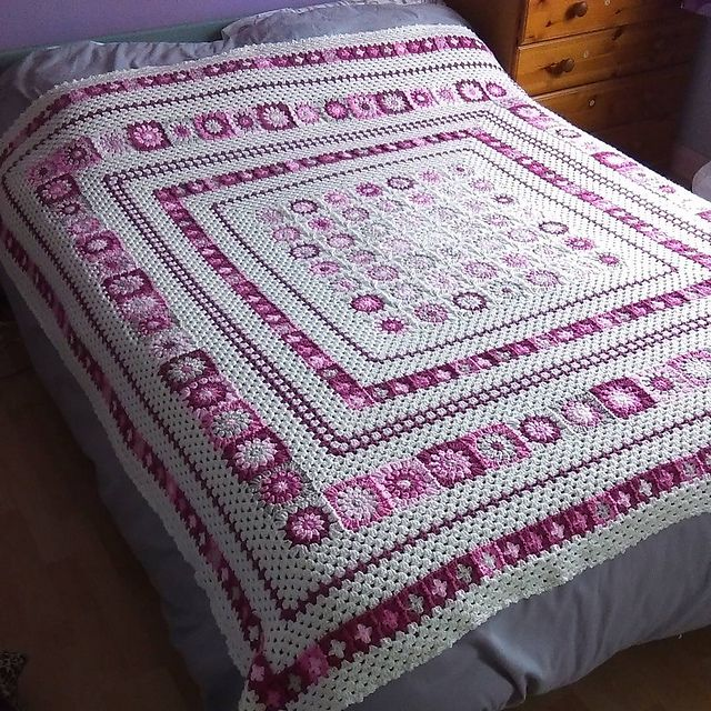 Grace Blanket, free pattern by Anita Gibney. Shades of pink, pale ...