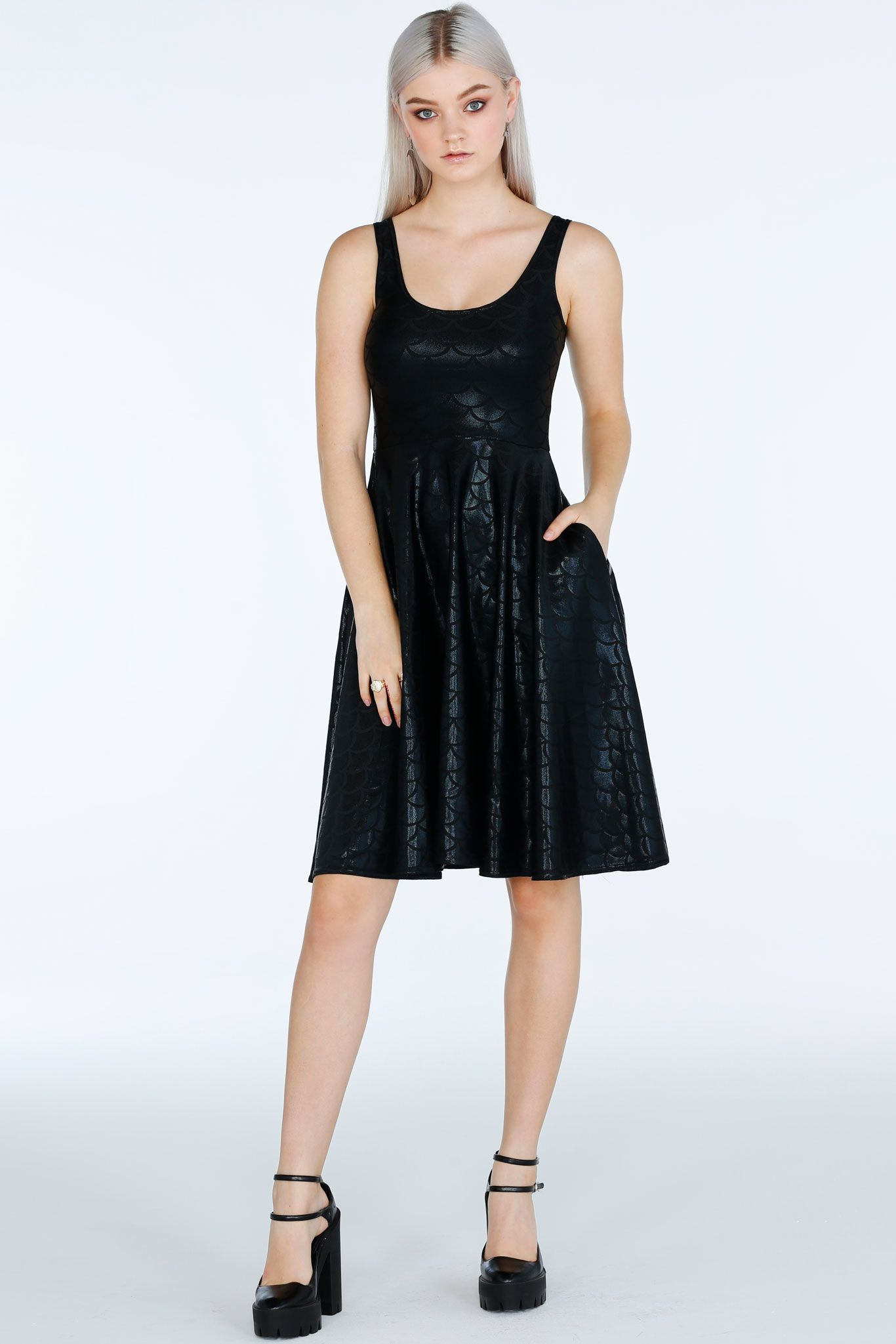 Staple Mermaid Midnight Pocket Midi Dress 109aud By Blackmilk Clothing Dresses Midi Dress Womens Dresses [ 2049 x 1366 Pixel ]