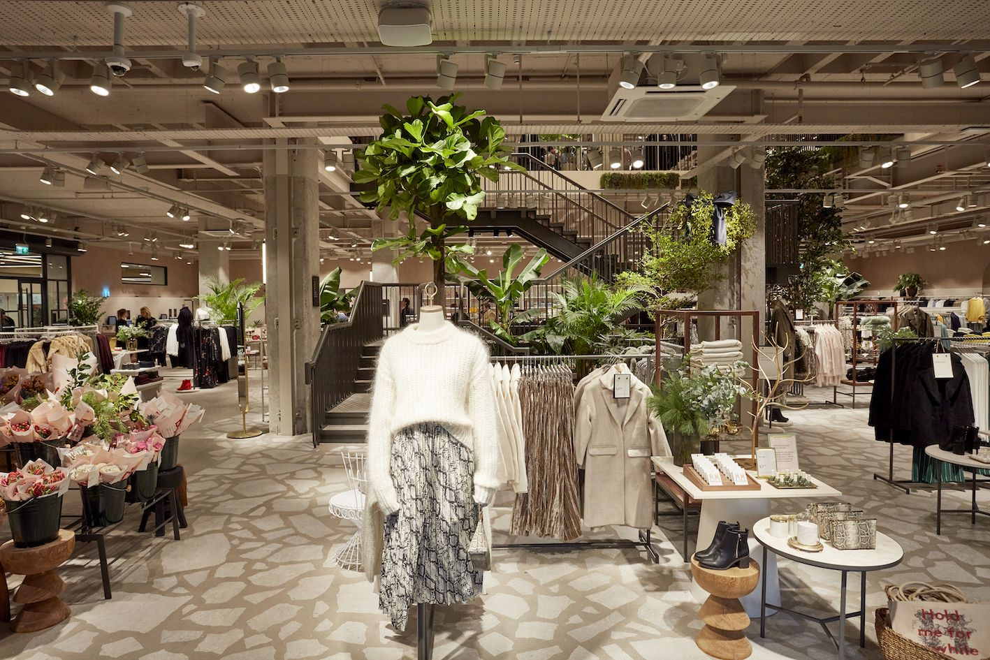 H&M Rings the Changes in Hammersmith Retail concepts