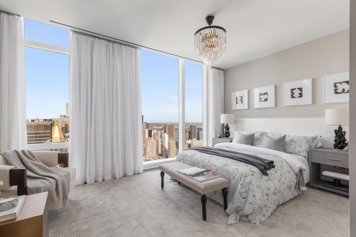 Live in the Lap of Luxury in These Expansive New York