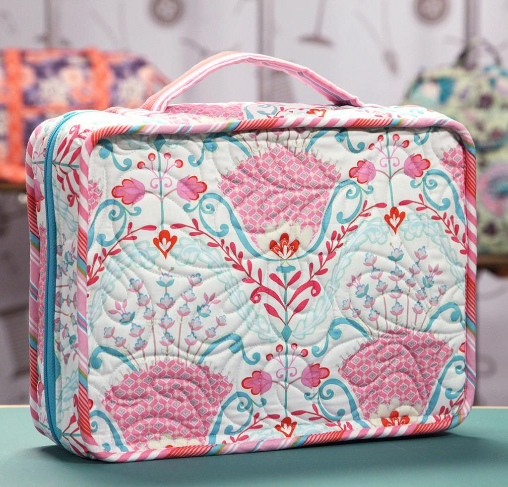Make A Zipper Pull with Annie Unrein Quilted bag, Bag