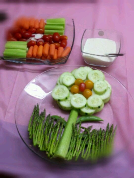 Fun veggie tray idea! I made this for a friend's baby shower.