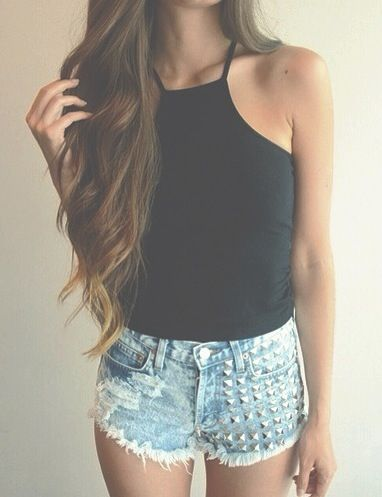 f3ea77ca7639 Perfect halter crop tank Outfits For Teens