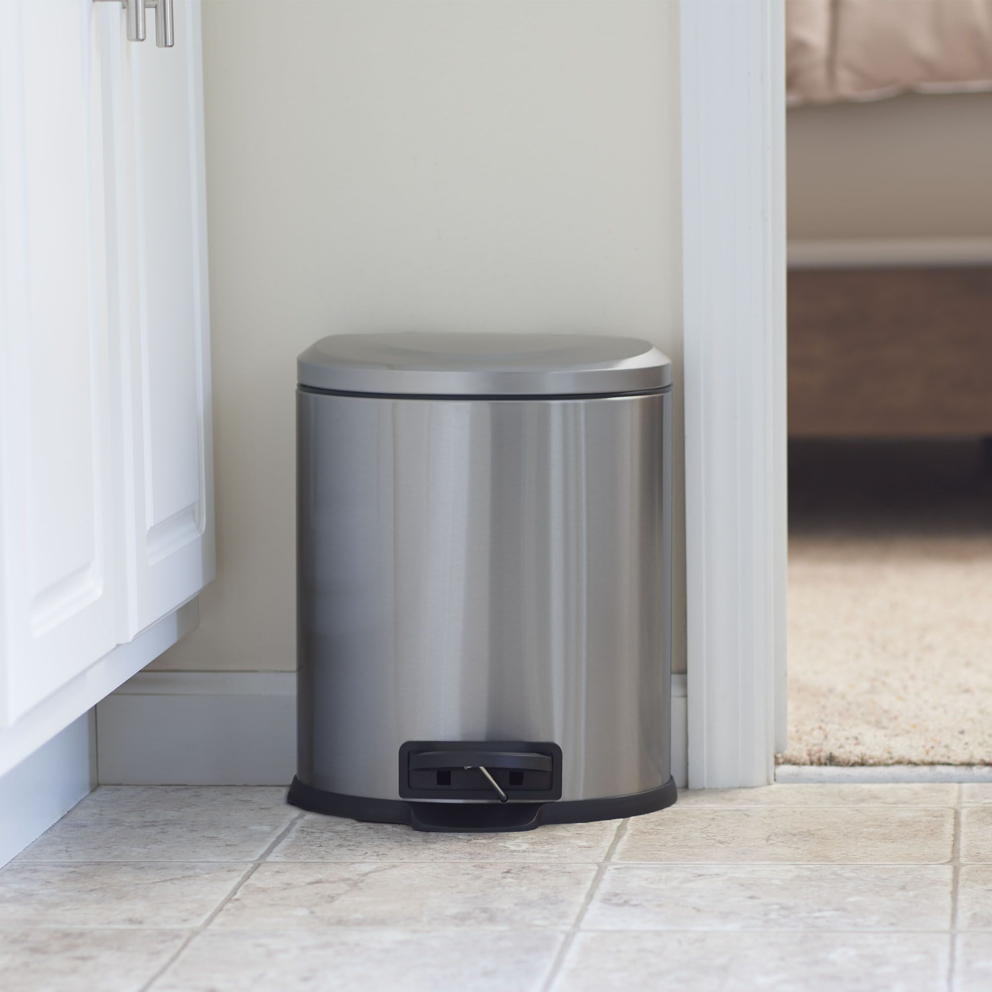 Simplehuman Mini Round Step Trash Can Stainless Steel 4 5 L 1 2 Gal Trash Can Kitchen Trash Cans Brushed Stainless Steel