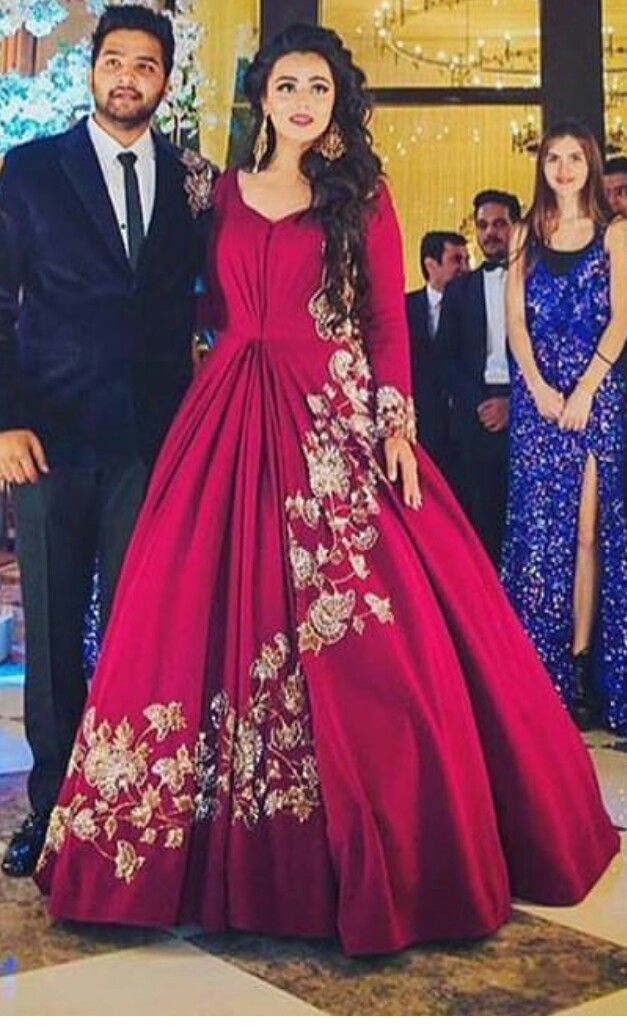 Pin by Quraishath Shama on indian dressess | Pinterest | Gowns ...