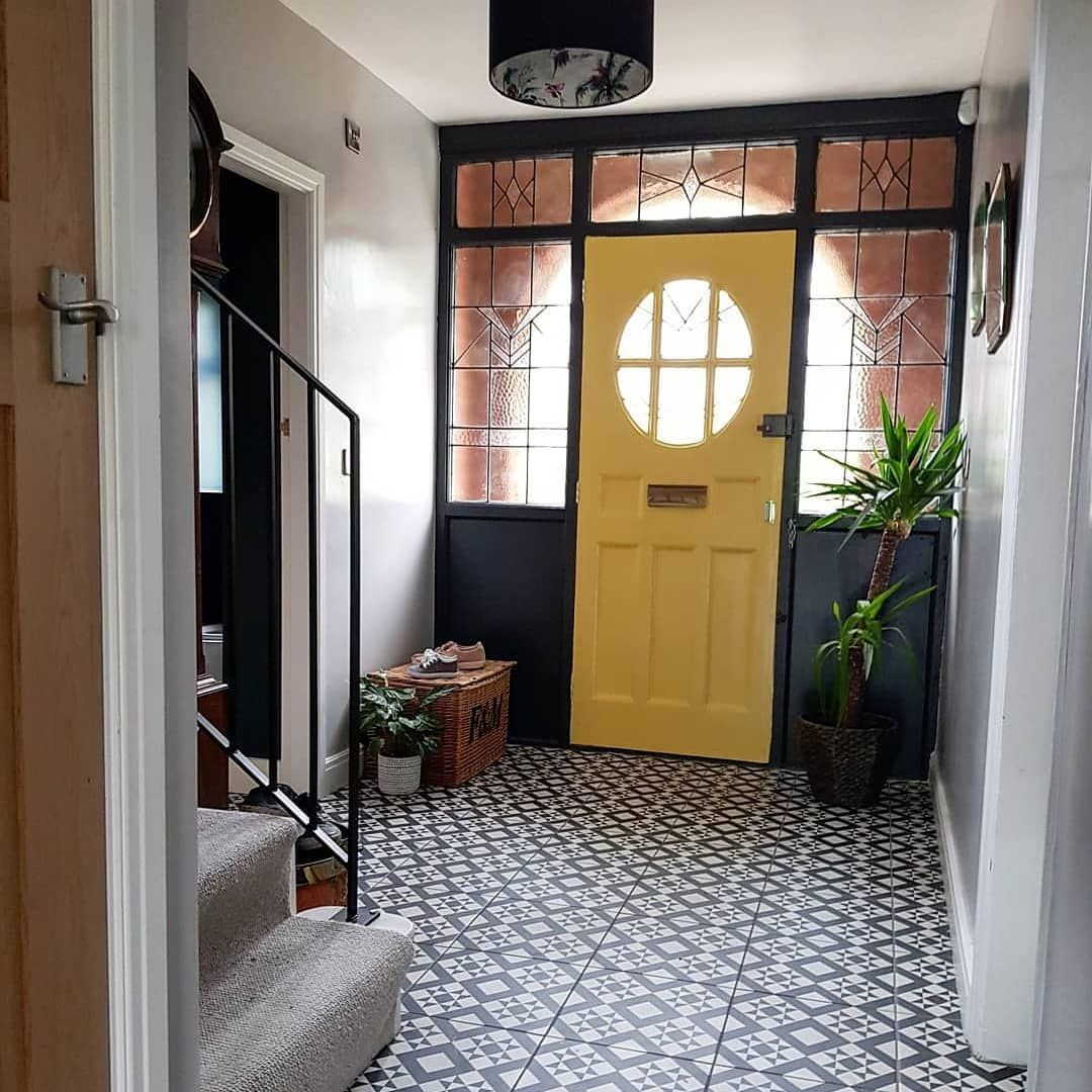Yellow Bathroomideas: A 1930s House Transformed Into A Stylish